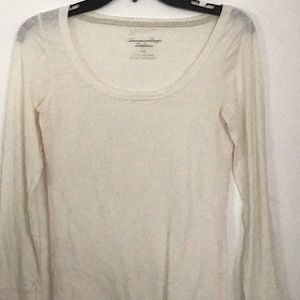American eagle white shirt longsleeved